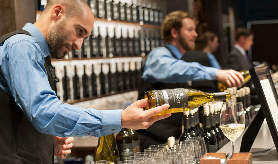 Discover all Biltmore white wines at Biltmore's Wine Bar