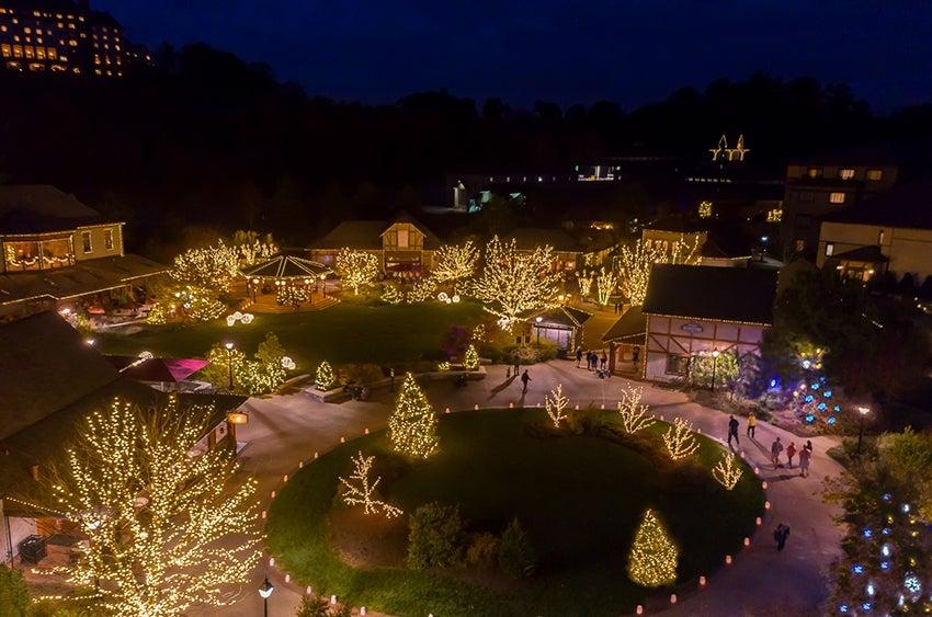 Candlelight Christmas Evenings - Biltmore
