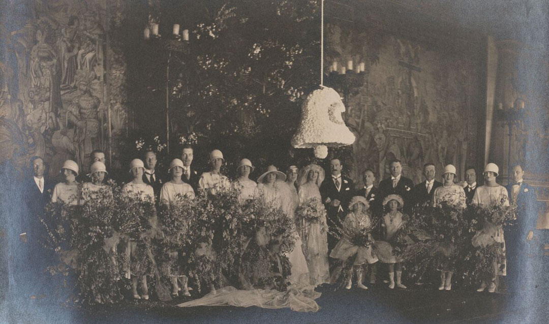 John and Cornelia Cecil wedding party in 1925