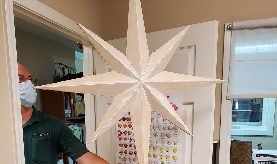 Star tree topper for Biltmore House Banquet Hall Christmas tree