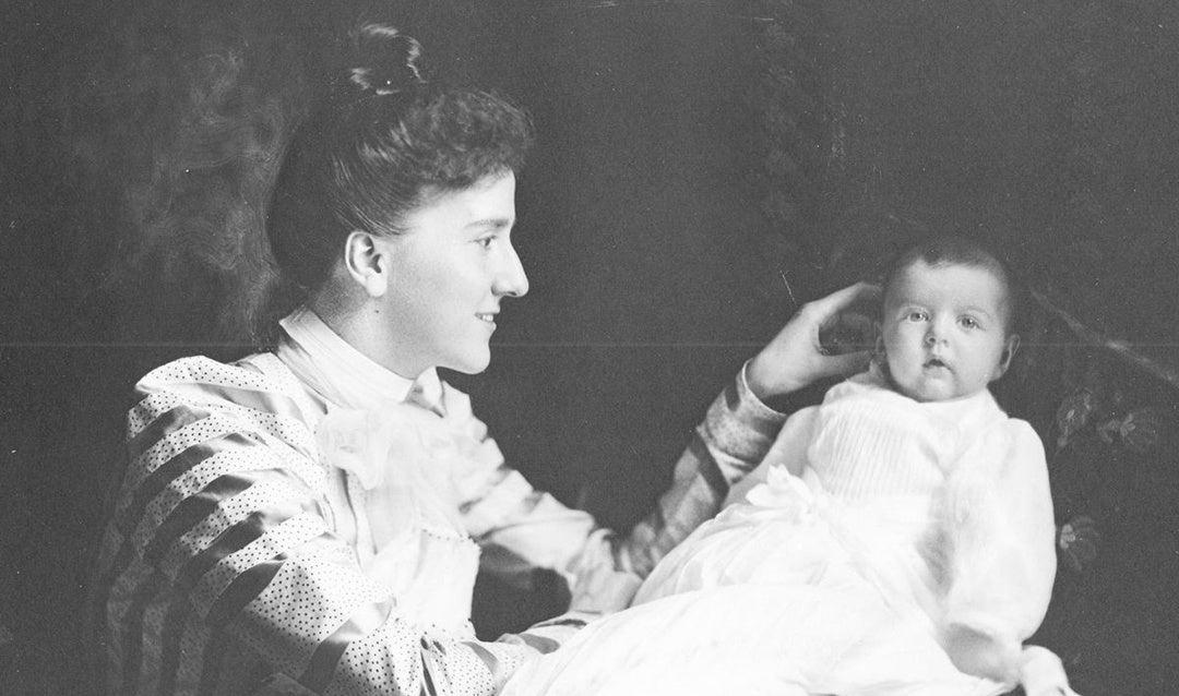 Edith Vanderbilt with young daughter Cornelia around the time of her christening, October 1900